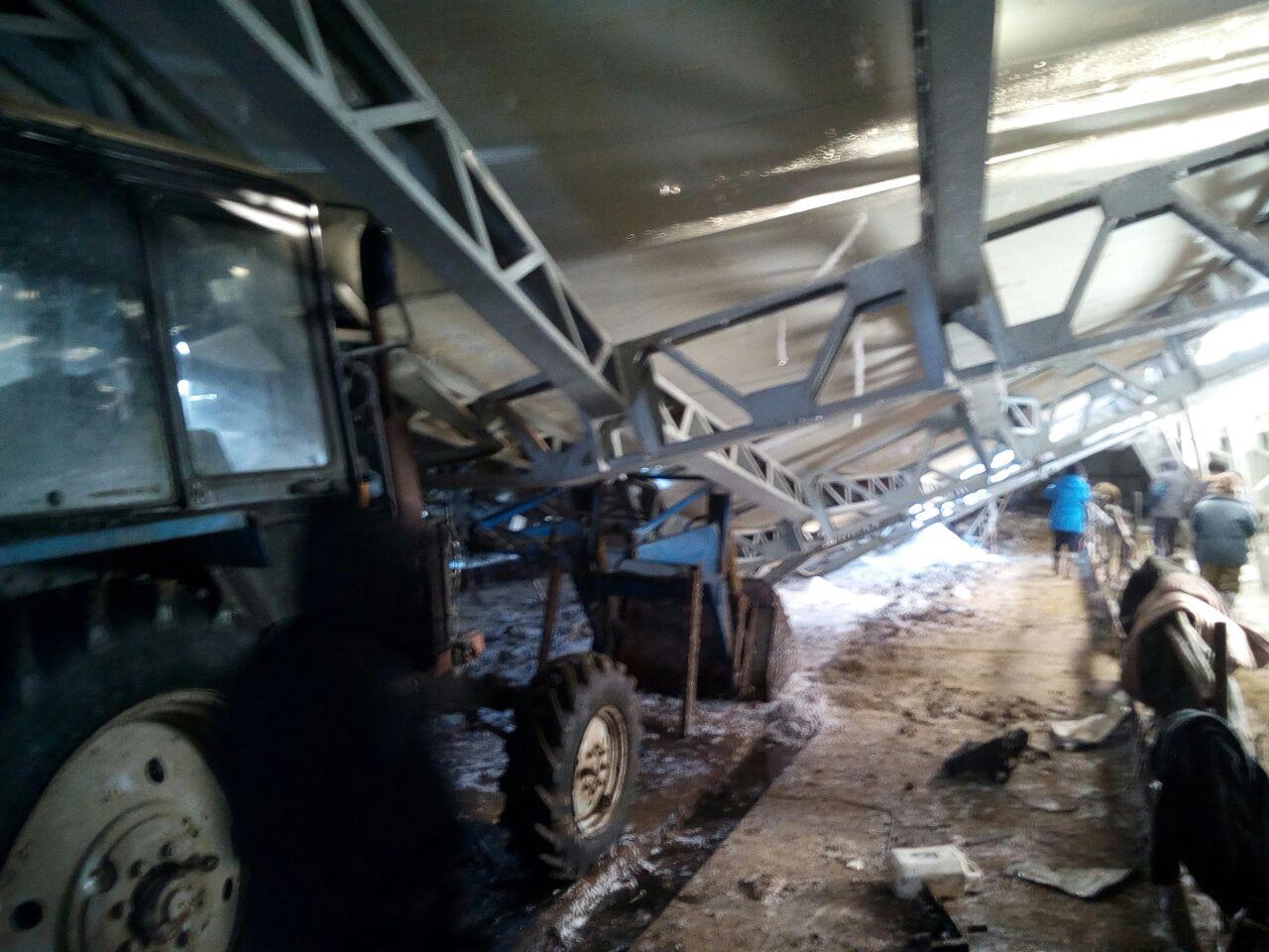 Обрушилась крыша хотона, построенного за 5 млн рублей