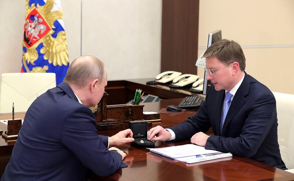 Владимиру Путину показали самые дорогие алмазы в России, добытые АО «Алмазы Анабара»