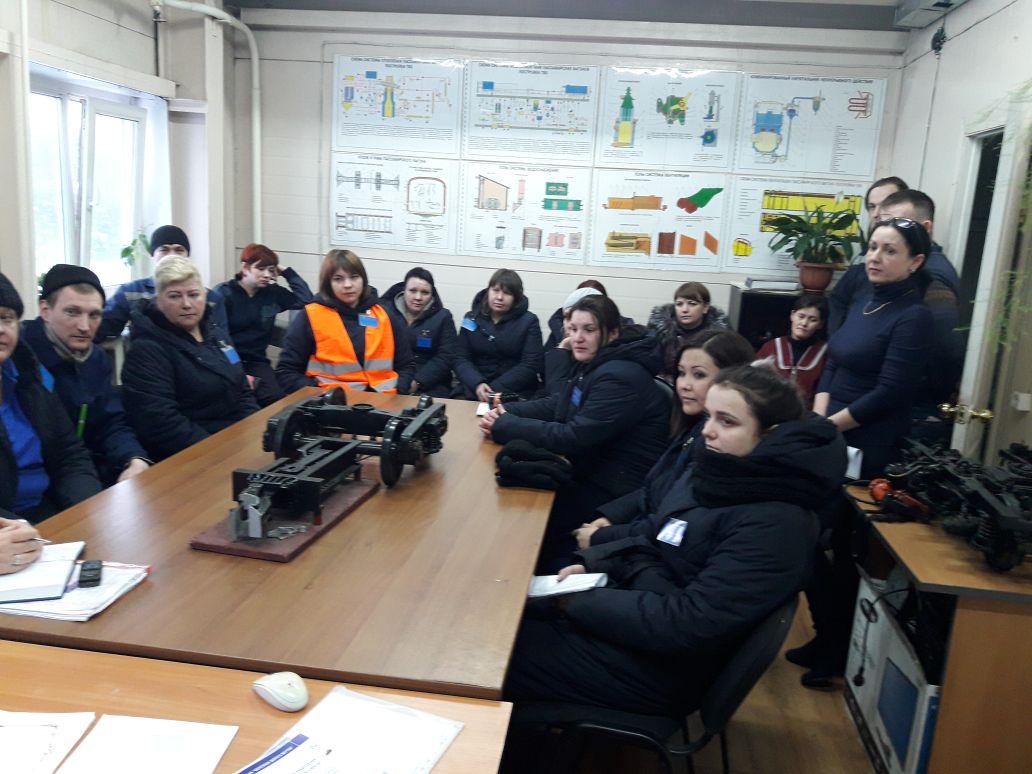 Администрацией и профсоюзом ЖДЯ проводятся встречи с трудовым коллективом