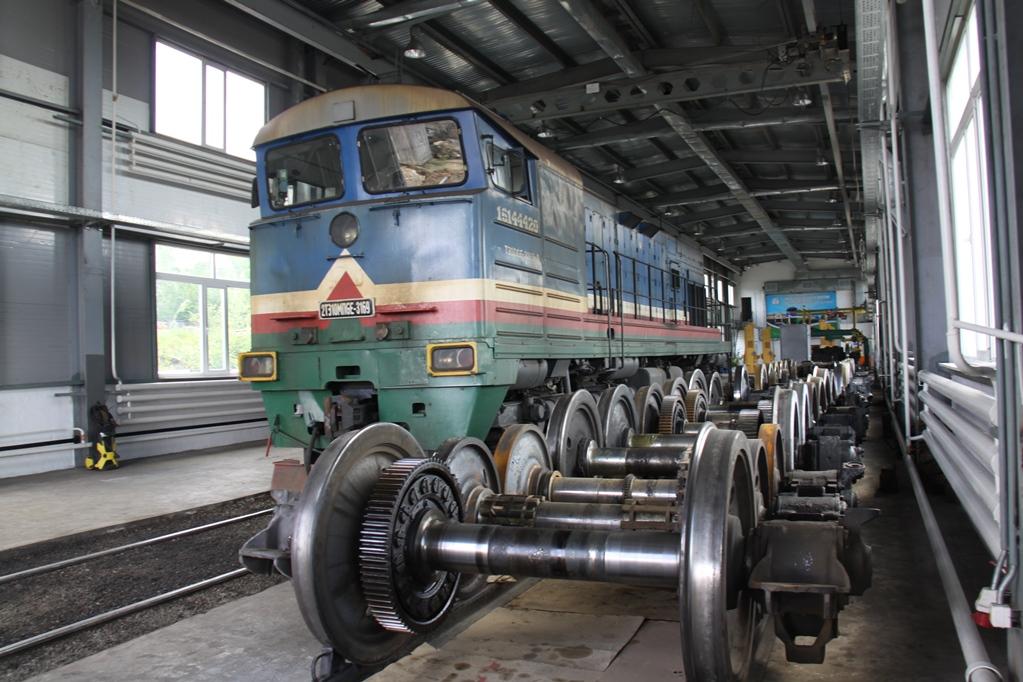 В локомотивном депо Алдан впервые проведен капитальный ремонт дизеля тепловоза и осваиваются новые виды ремонта