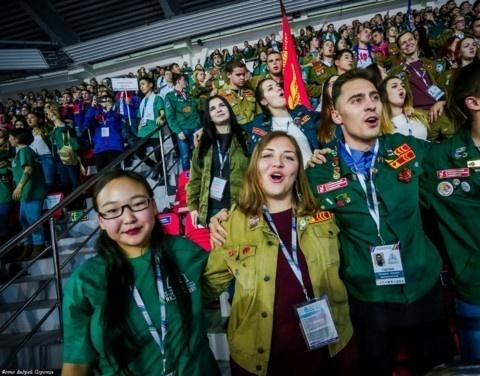 Егор Борисов поздравляет с Днём Российских студенческих отрядов
