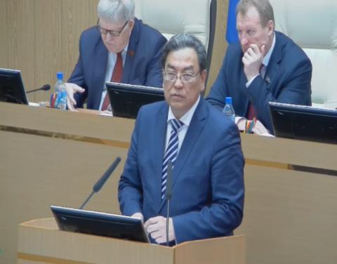 Внесены изменения в закон о государственном бюджете Якутии на 2018 год и на плановый период 2019-2020 гг.