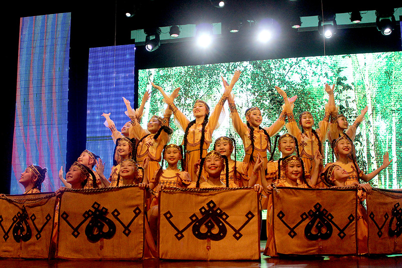 Фестиваль «Танцует Якутия» собрал более тысячи участников
