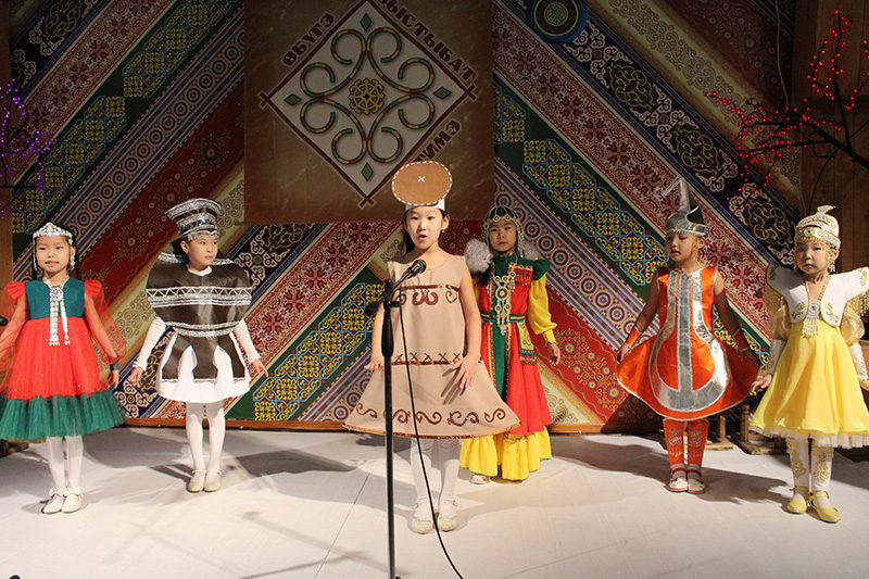 VII Республиканский фольклорный фестиваль «Өбүгэ быстыбат ситимэ» (27 февраля-1 марта 2018 г.)