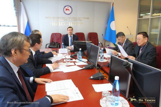 В парламенте прошло заседание постоянного комитета по строительству и жилищно-коммунальному хозяйству