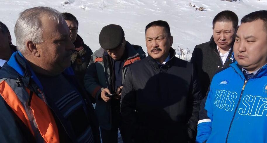 Министр транспорта и дорожного хозяйства Якутии на себе испытал все сложности транспортной схемы отдаленных наслегов