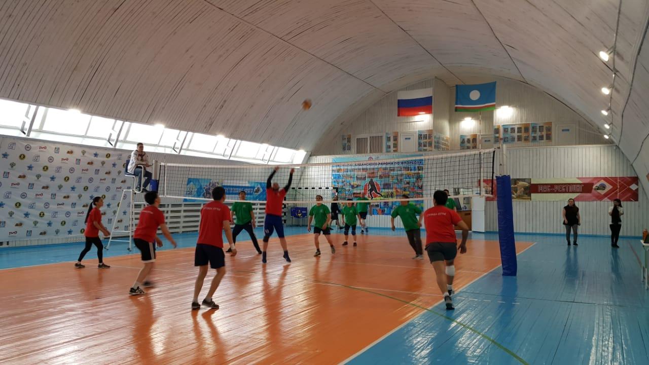 В ЖДЯ прошли соревнования по волейболу