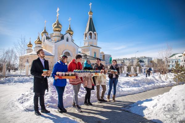 Добровольцы Якутска провели акцию «Пасхальный кулич»