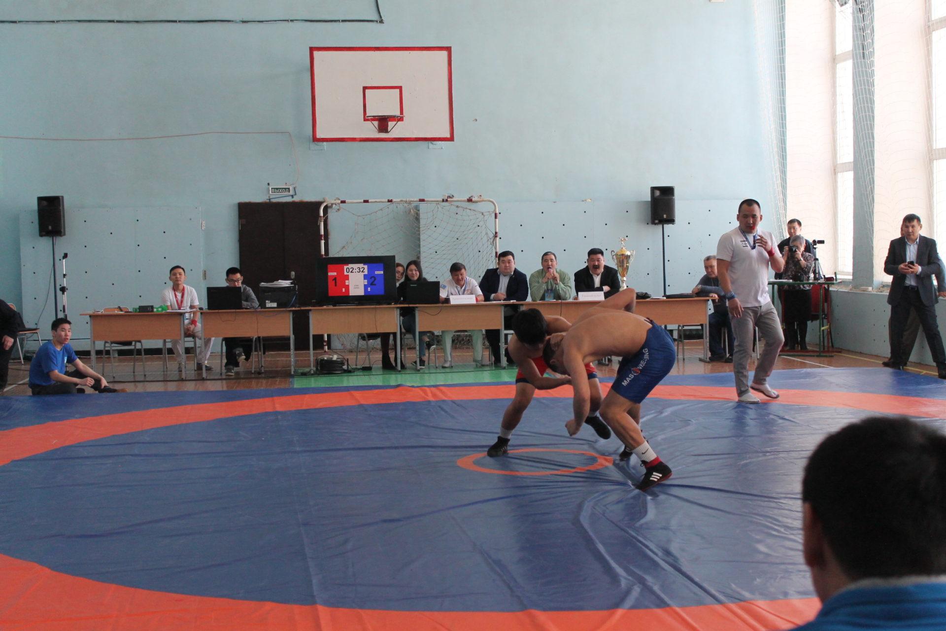 Чемпионат по борьбе «хапсагай» среди образовательных организаций СПО
