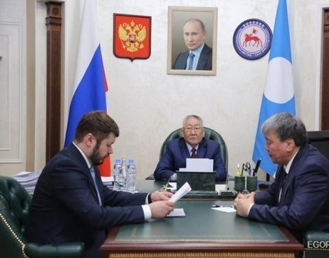 Глава Якутии провёл совещание с председателями правительства и парламента республики
