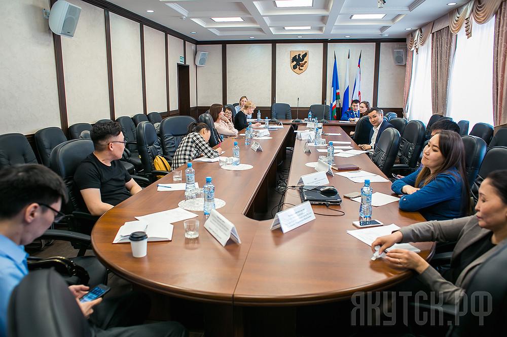 День юридической помощи: Горожан проконсультировали юристы Окружной администрации