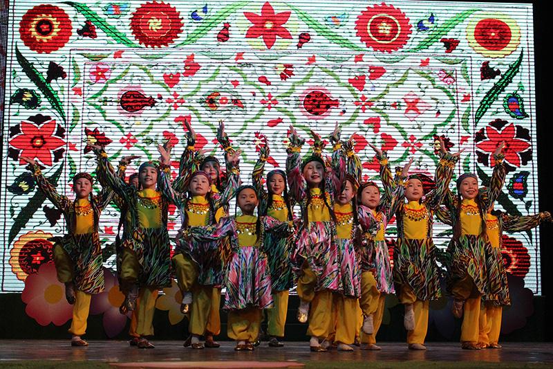 Детский ансамбль танца «Сандал» провел отчетный концерт