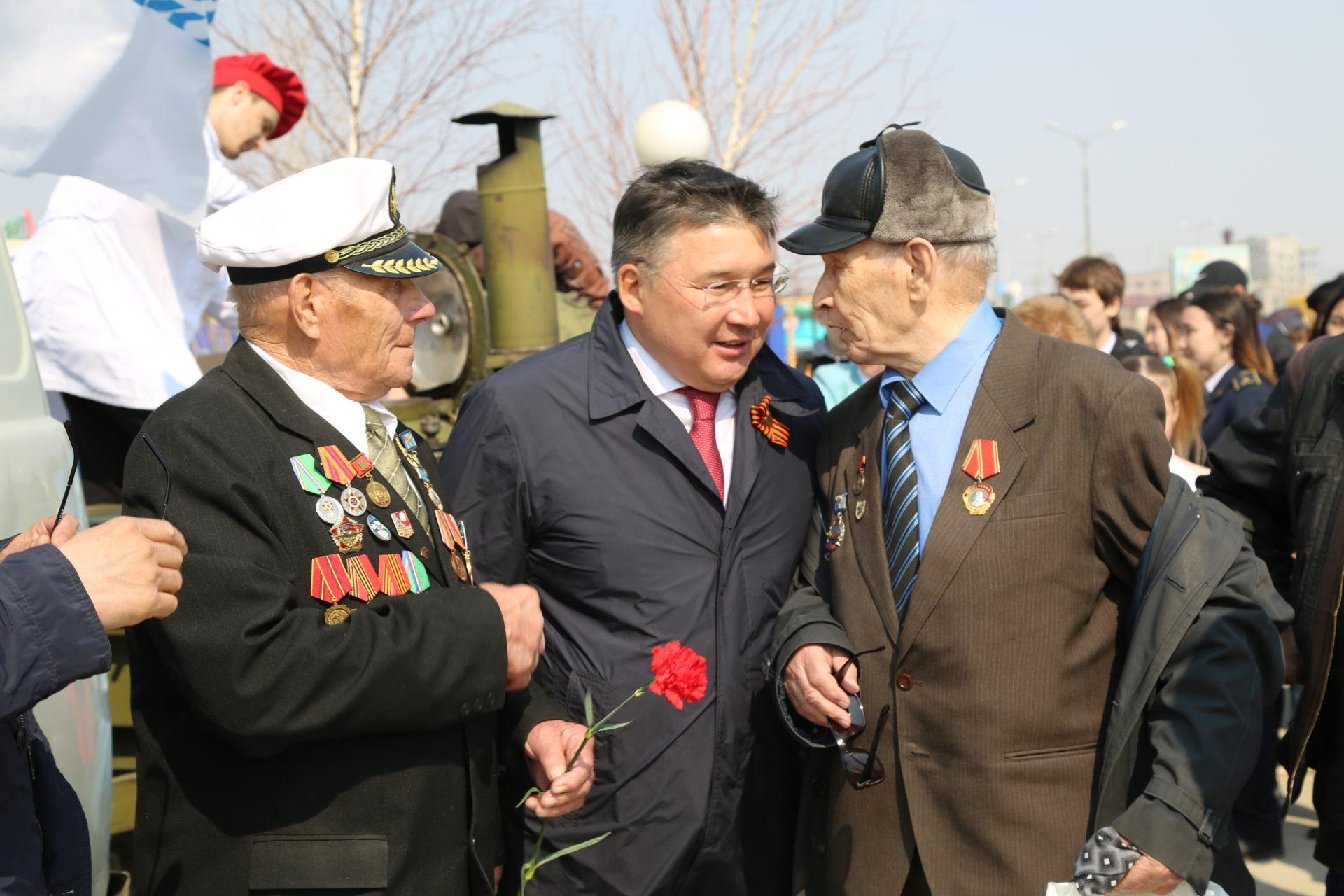Генеральный директор АО «Аэропорт Якутск» поздравил жителей Гагаринского округа с 9 мая