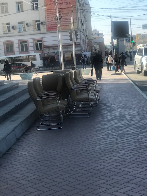 В ДП-1 вслед за новыми хозяевами прибыли кресла