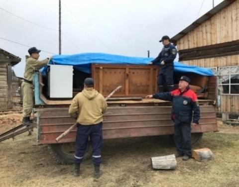 В Усть-Майском районе дворовые территории освободились от воды