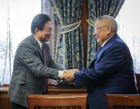 Егор Борисов встретился с генконсулом Японии в Хабаровске Ямамото Хироюки