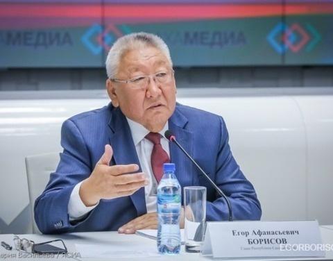 Глава Якутии ответил на вопросы главредов ведущих республиканских СМИ