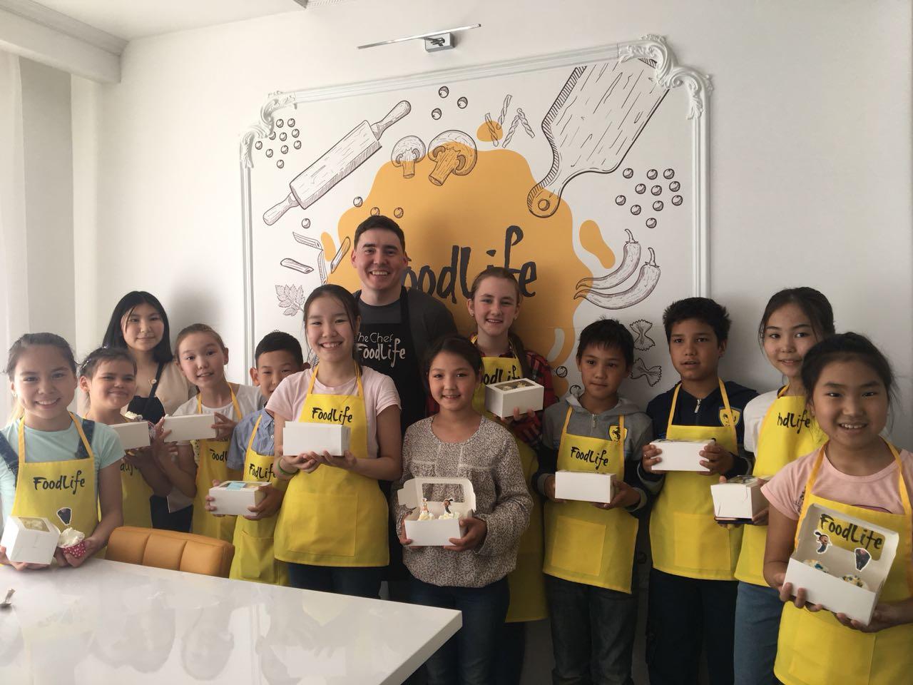 Год новаторства: добровольцы организовали для детей кулинарный мастер-класс