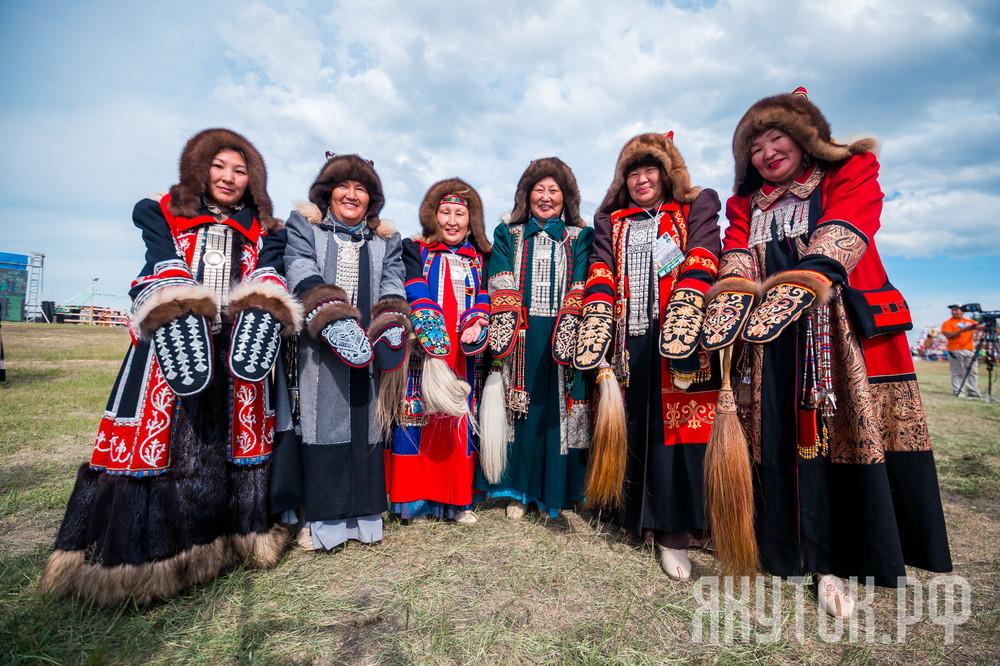 Лучшие мастера по пошиву традиционной якутской одежды примут участие в конкурсе «Саха талба таҥаhа»
