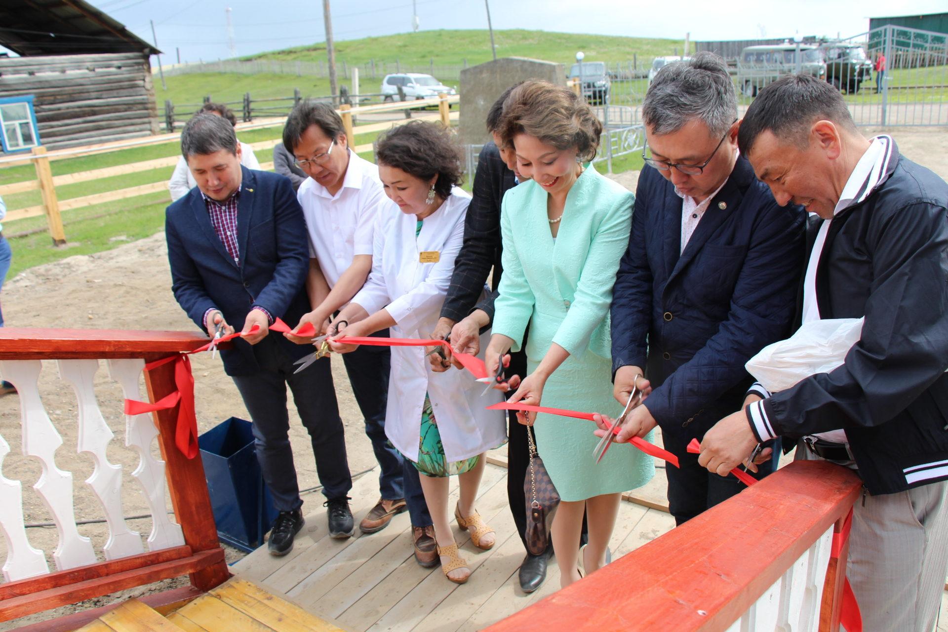 Жителям Таттинского района подарили новую больницу