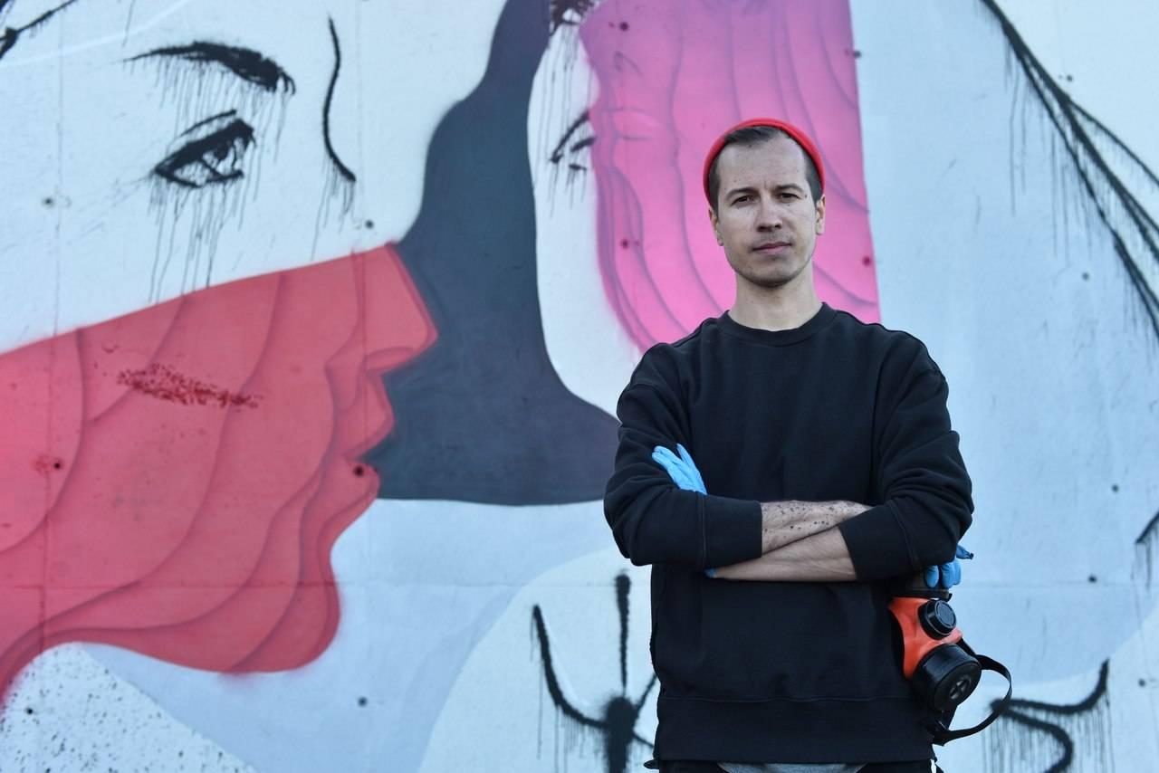В Якутск приехал граффити-художник Андрей Адно. Он распишет стену здания на Лермонтова