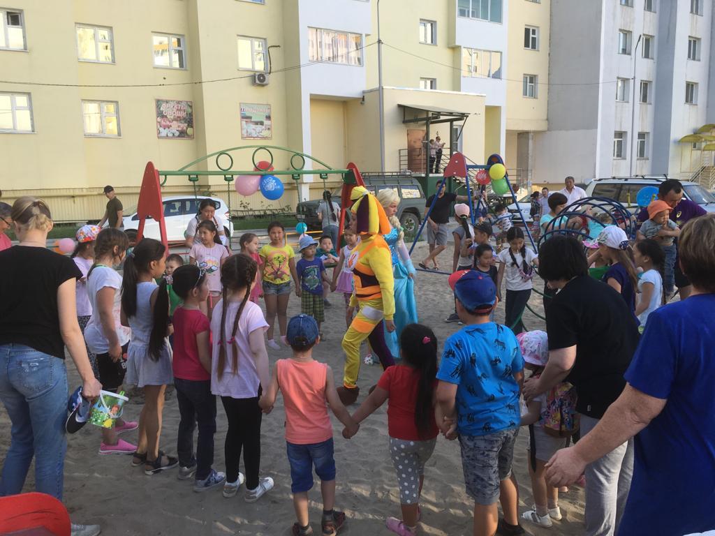 В Октябрьском округе открыли новую детскую площадку
