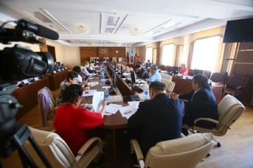 Парламентарии заслушали отчет о деятельности Уполномоченного по защите прав предпринимателей в Якутии