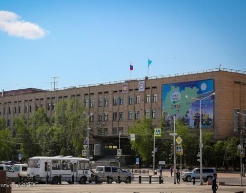 Айсен Николаев сократил количество чиновников, изменив структуру Правительства Якутии