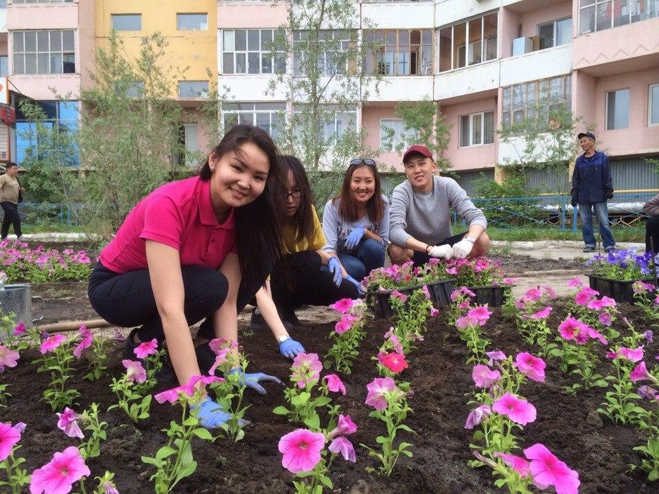 В Якутске стартовала акция «Миллион цветов»