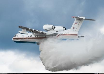 Самолёт Бе-200 из Красноярска вылетел в Якутию для оказания помощи в тушении природных пожаров