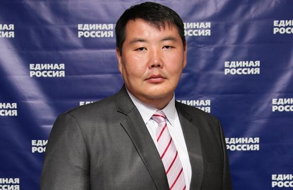 Эмоциональное выступление якутского депутата на заседании генсовета «ЕР» вызвало бурное обсуждение в СМИ