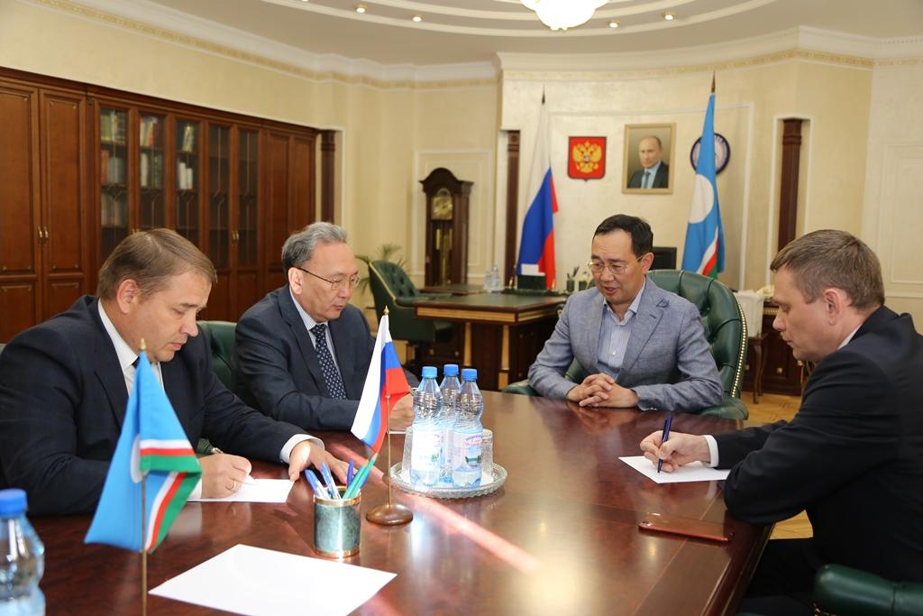 Айсен Николаев поставил новые задачи перед постпредством