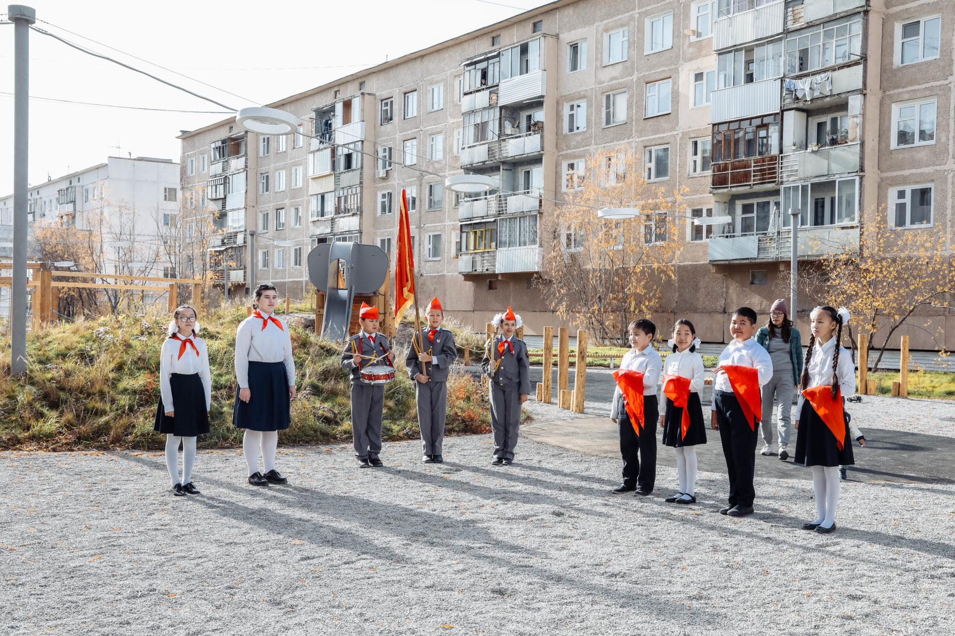 В Якутске открыли Бульвар учителя