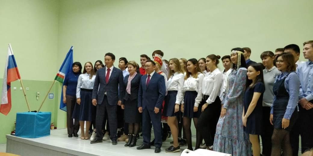 Вице-премьеры правительства Якутии провели открытые уроки государственности