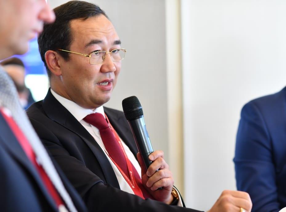 Айсен Николаев на ВЭФе поделился планами по улучшению инвестклимата в Якутии
