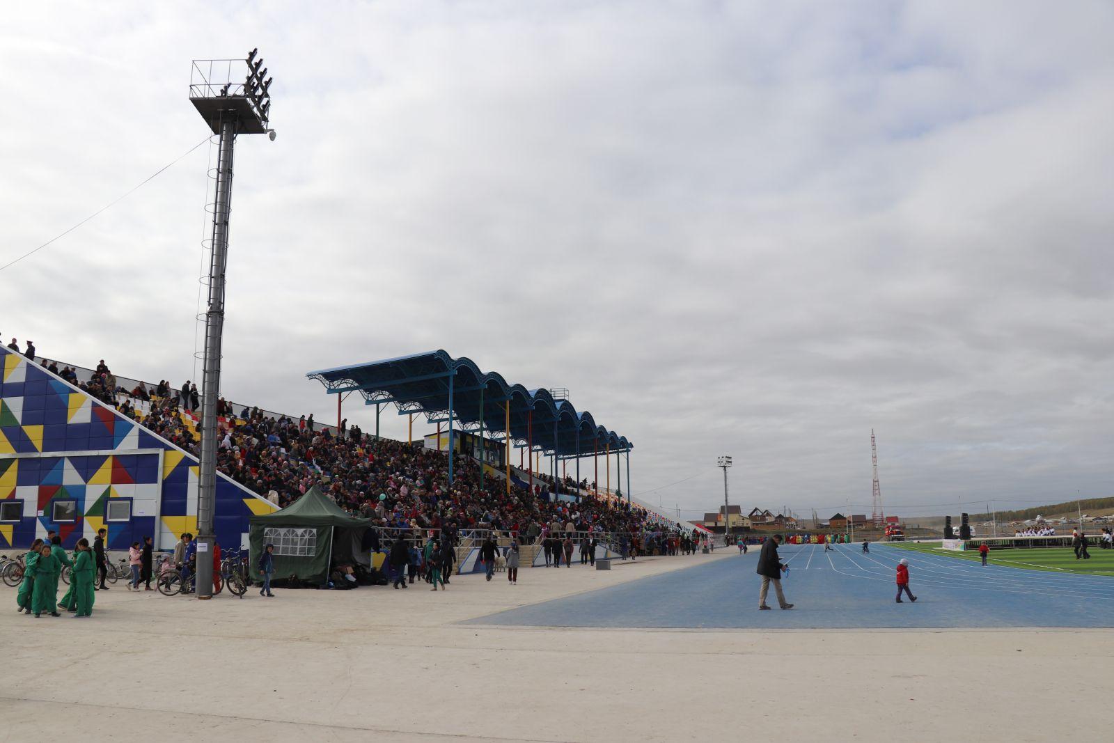 В Амге ввели в работу Многофункциональный спортивный зал и стадион