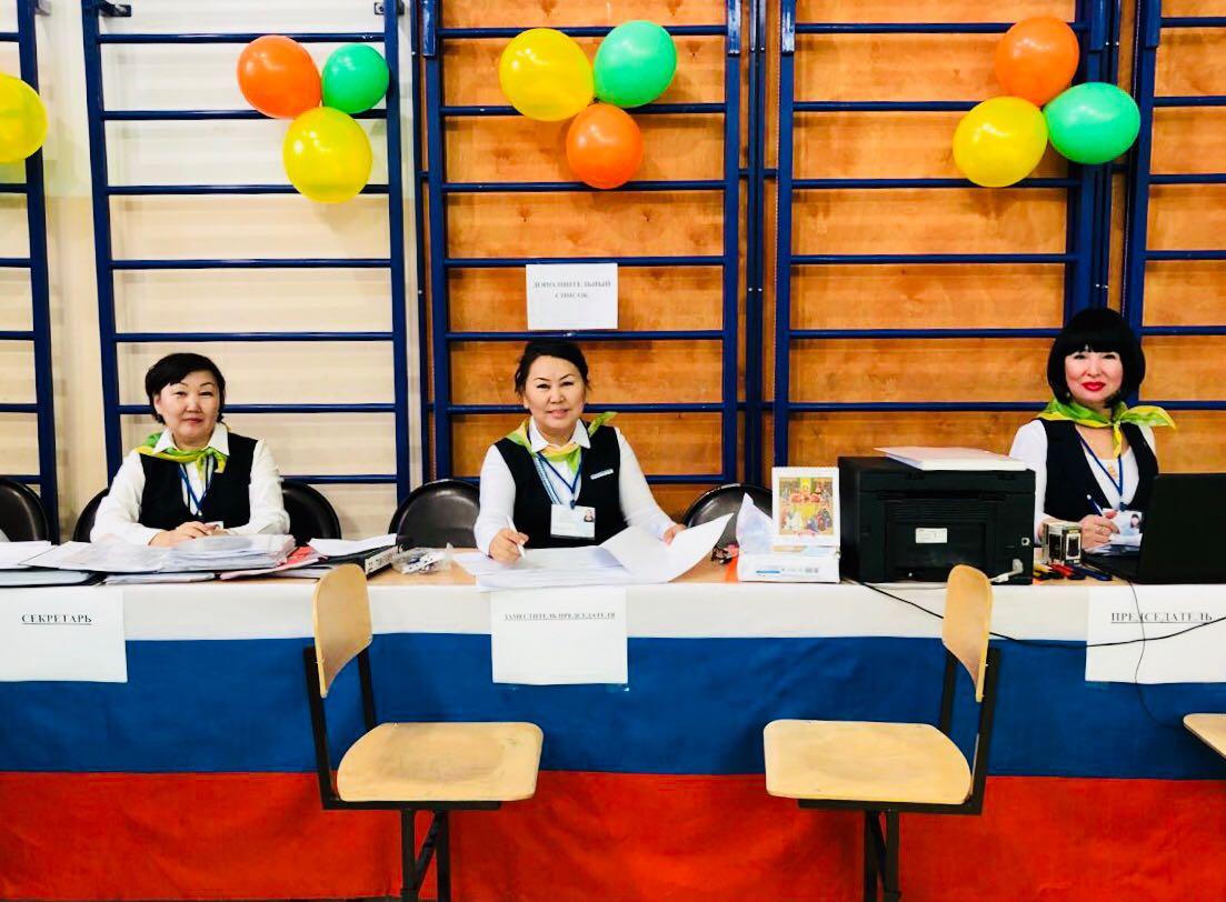 Все на выборы! в Якутске с 8 утра открылись участки для голосования