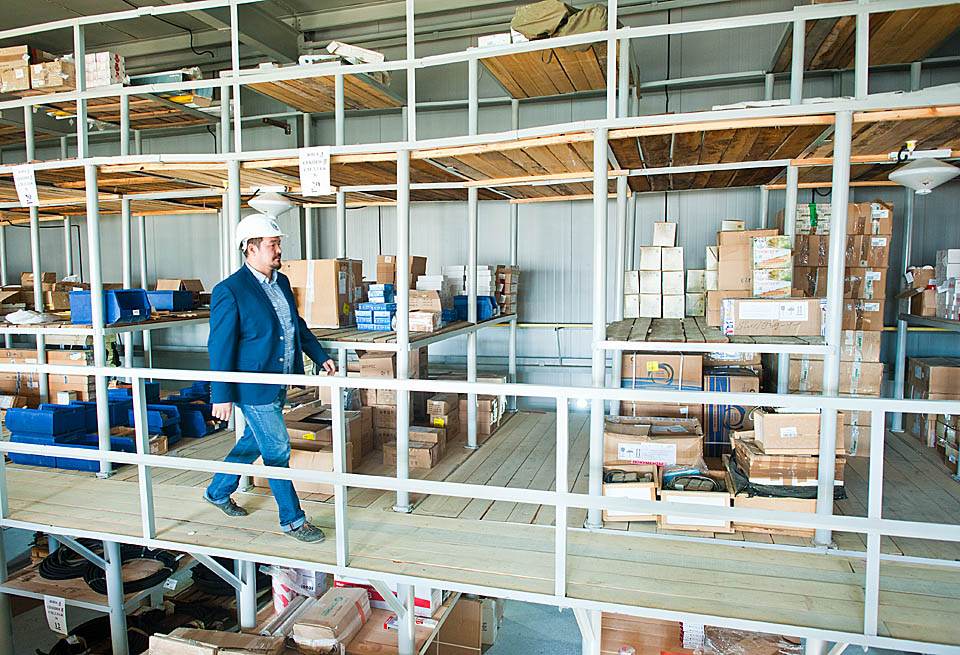 Сахатранснефтегаз: производство начинается со склада