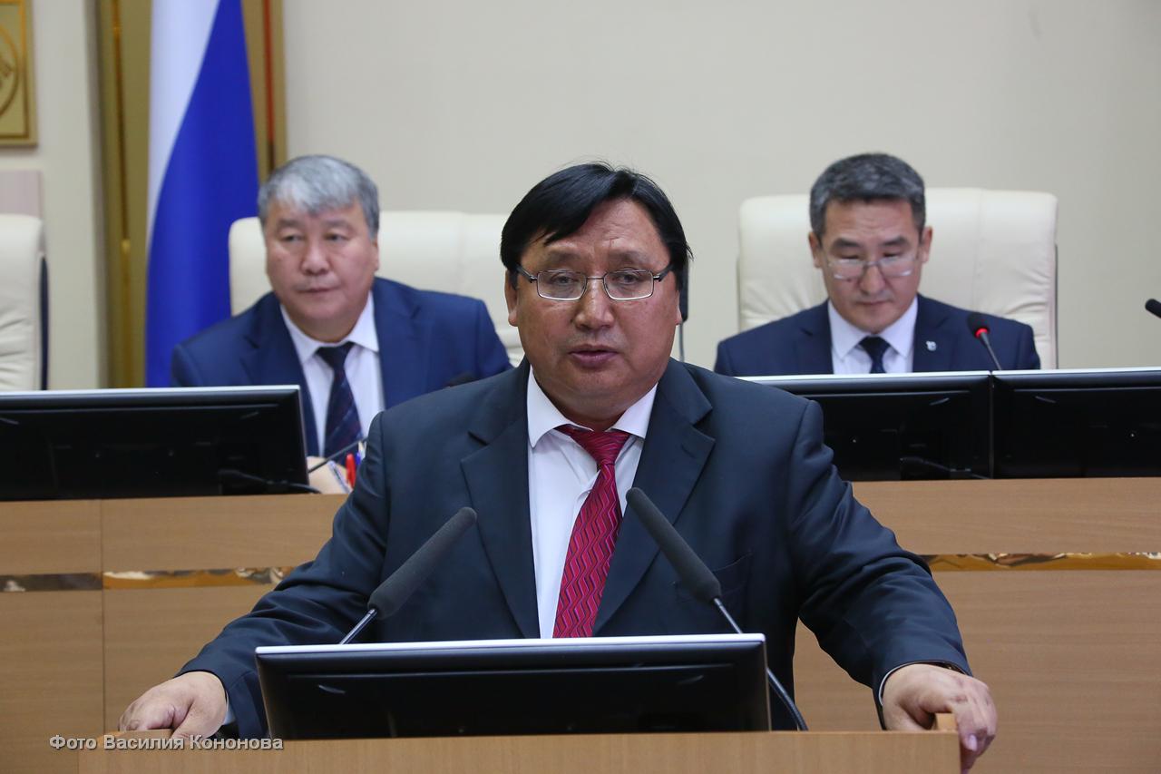 Александр Акимов наделен полномочиями члена Совета Федерации – представителя от парламента Якутии