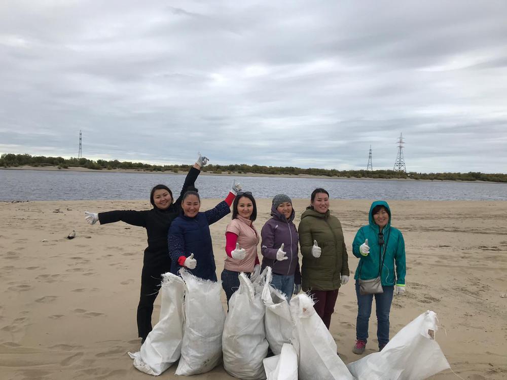В Губинском округе проведен субботник по очистке пляжа