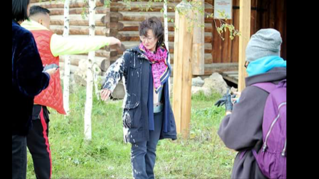 Кандидата в мэры города Якутска облили краской