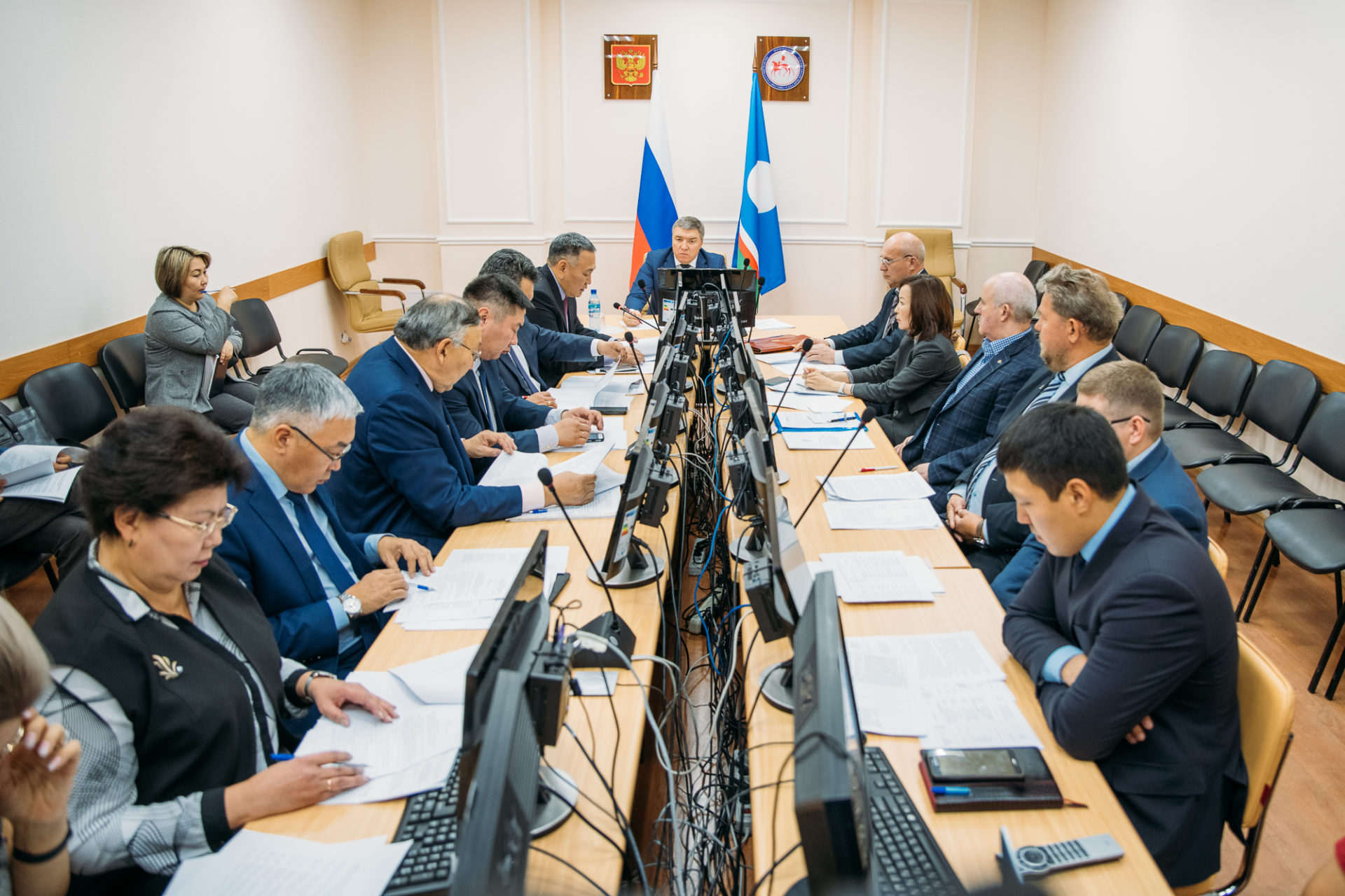 В правительстве Якутии проверяют ход исполнения поручений Айсена Николаева по вопросу загрязнения рек