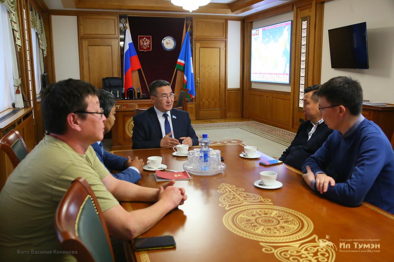 Петр Гоголев встретился с блогерами