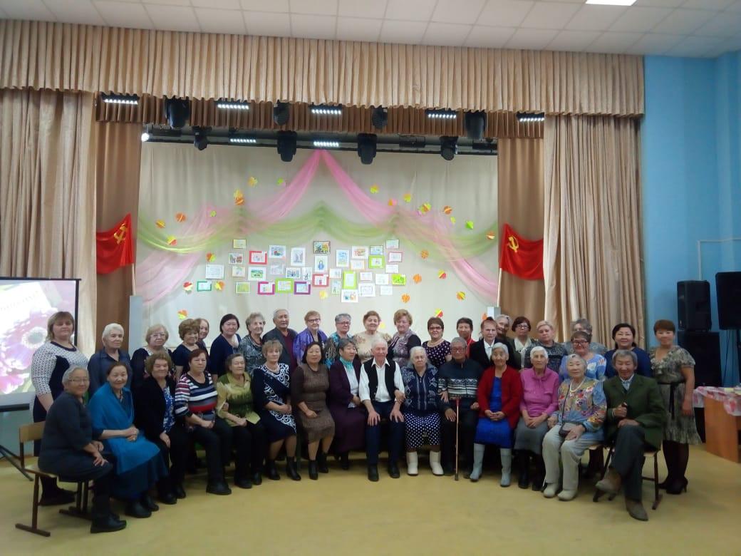 В Мархе отметили День пожилого человека под лозунгом «Моя эпоха — Комсомол»