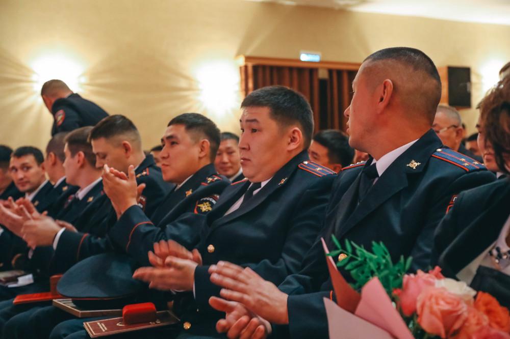 Глава города поздравила сотрудников уголовного розыска республики с юбилеем