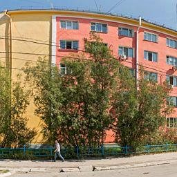 Республиканская больница №3 опровергает информацию о падении человека со здания поликлиники №1 по ул. Кирова 34.