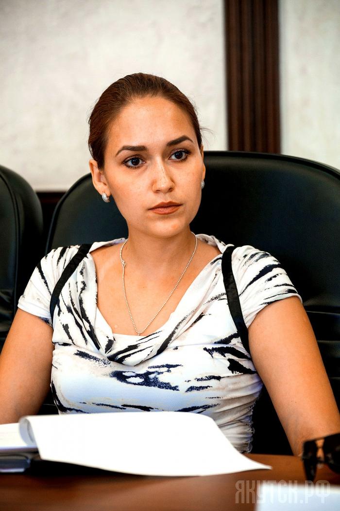 Имеет ли высшее образование новый министр предпринимательства, торговли и туризма Якутии?