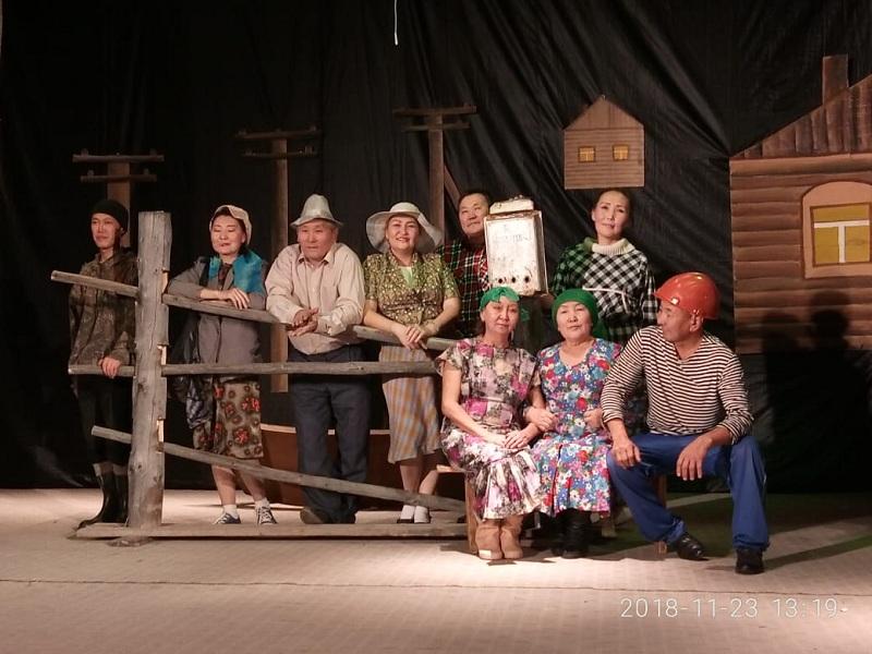 «Дэриэбинэм барахсан» Дмитрий Наумов 70 сааһын көрсө театральнай күөн-күрэс