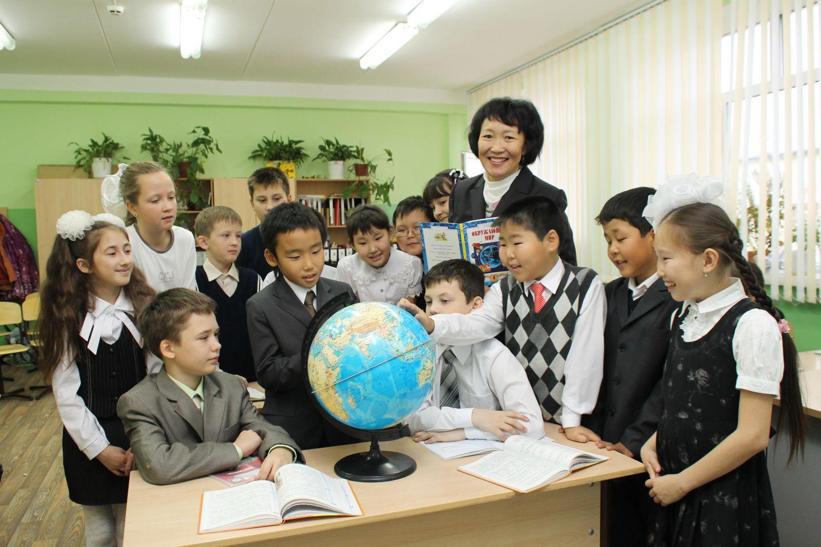 Айсен Николаев определил стратегические направления развития образования в Республике Саха (Якутия)