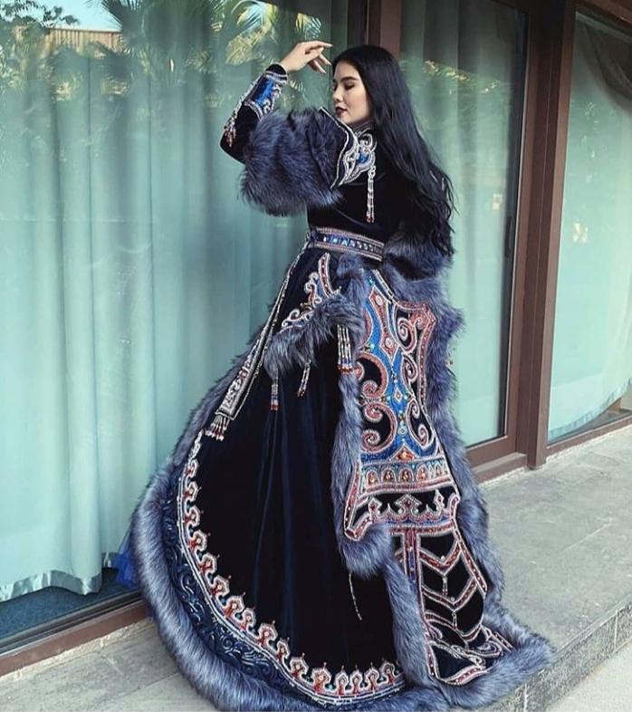 Национальный костюм представительницы России на Мисс «Вселенная-2018»